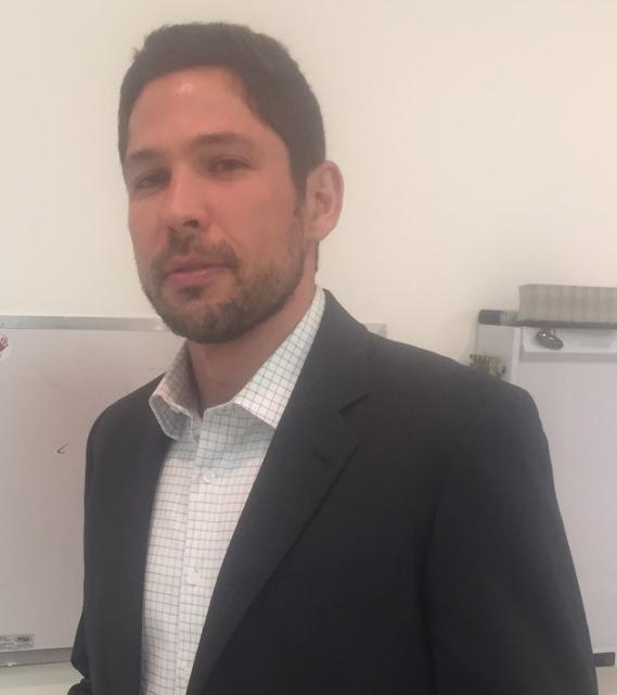 Dr. Luciano Pereira